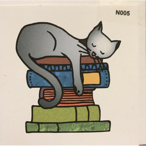 NOTELET - Cat on books  order code N005