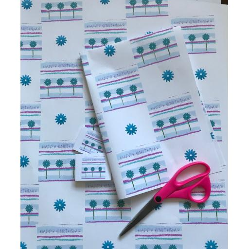BLUE DAISY DESIGN WRAPPING PAPER